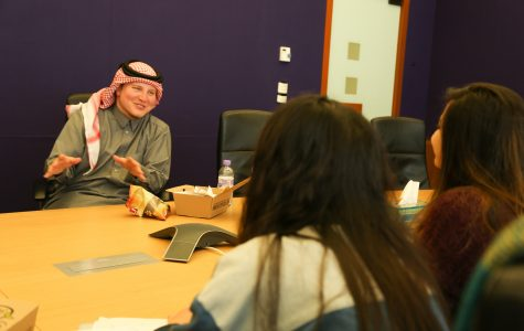 Saudi sensation and YouTube star Abu Muteb visits Northwestern University in Qatar as a prospective student