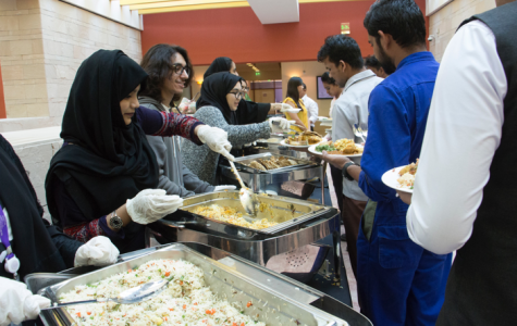 NU-Q celebrates Thanksgiving with building staff
