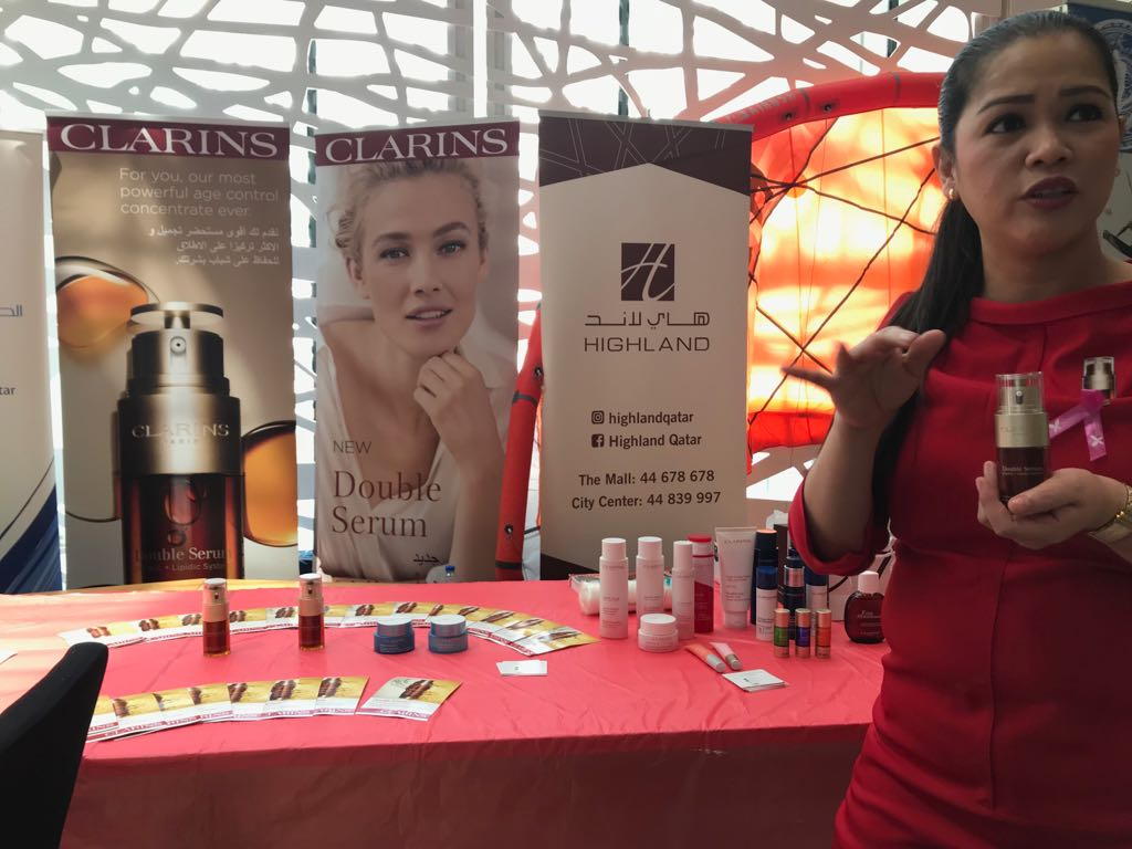 Clarins%2C+a+French+luxury+skincare%2C+cosmetics+and+perfume+company%2C+advised+visitors+on+skincare+tips.+