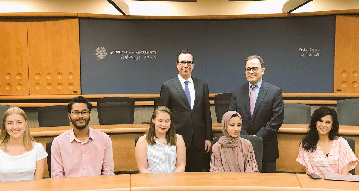 U.S. Treasury Secretary Steven Mnuchin meeting with GU-Q students. Photo credit: https://twitter.com/stevenmnuchin1/status/1055811965577240576